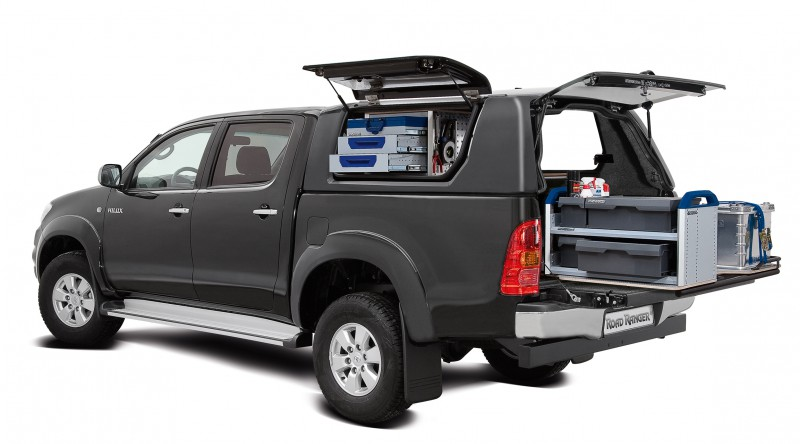 Hilux_DoubleCab_RH2_Profi2_Business_equipment