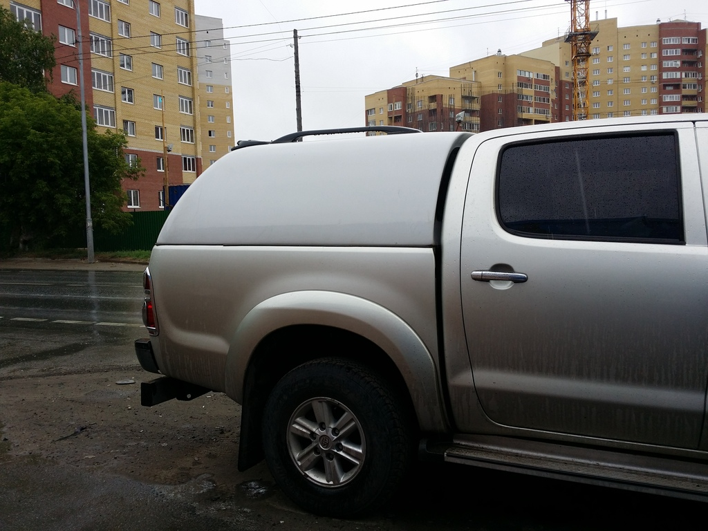 s560-wo-hilux