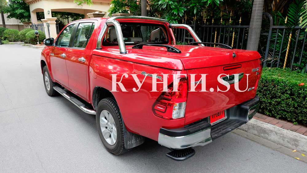 Toyota-Hilux-Revo-1